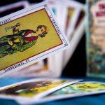 Jak działają karty tarota?